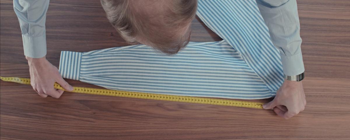 prise de mesure sur chemise