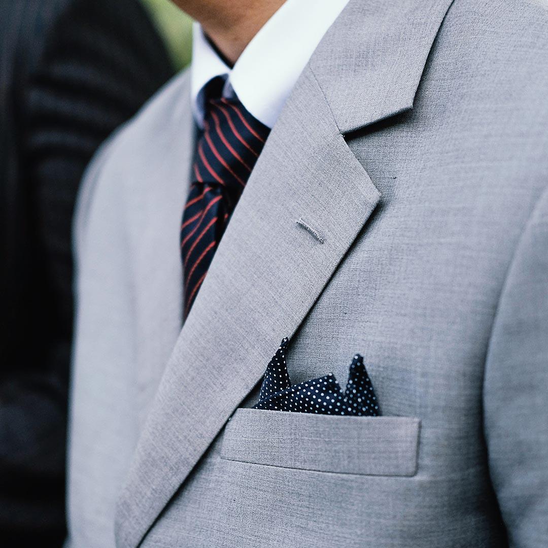 costume-gris