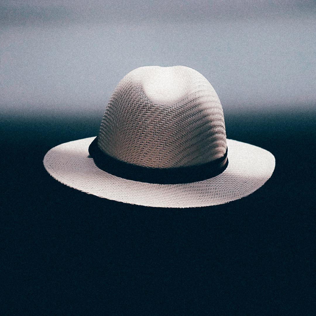 accessoire chemise homme chapeau