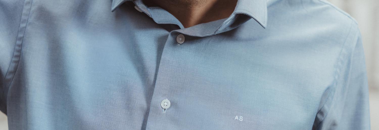 chemise homme oxford jean détail initiales