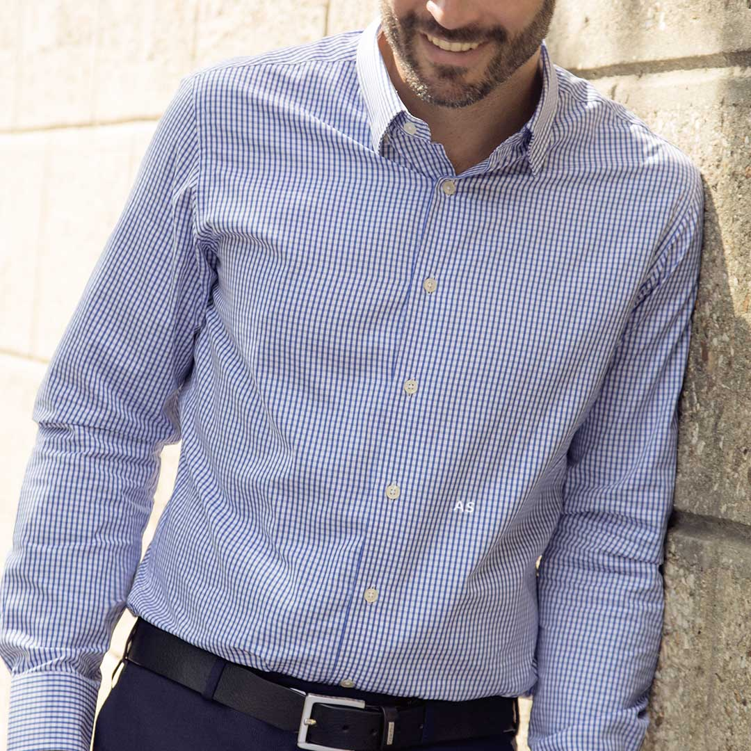Chemise-homme-initiales-4-eme-bouton